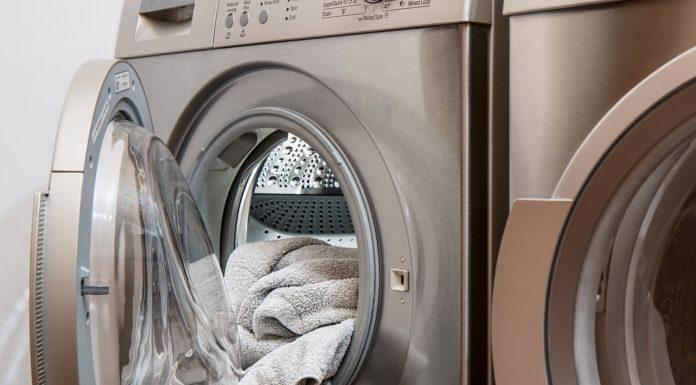Co lepsze: kapsułki czy płyn do prania?