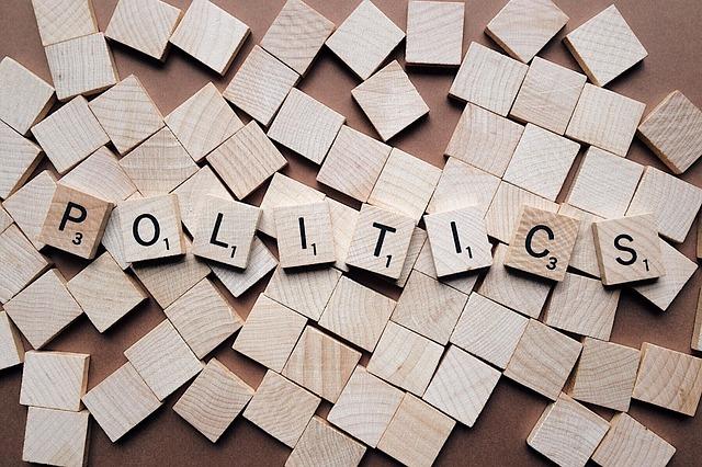 Polityka i atrakcje