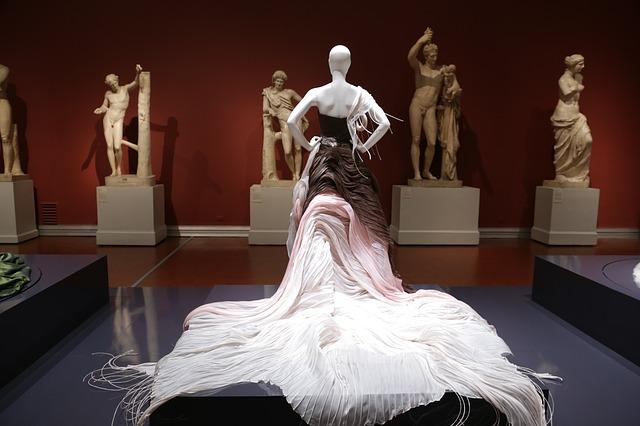 Charakterystyka rzeźby ludowej